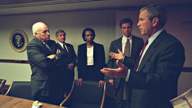 Never before seen photos of Bush administration during 9/11