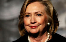 Email controversy surrounding Clinton campaign