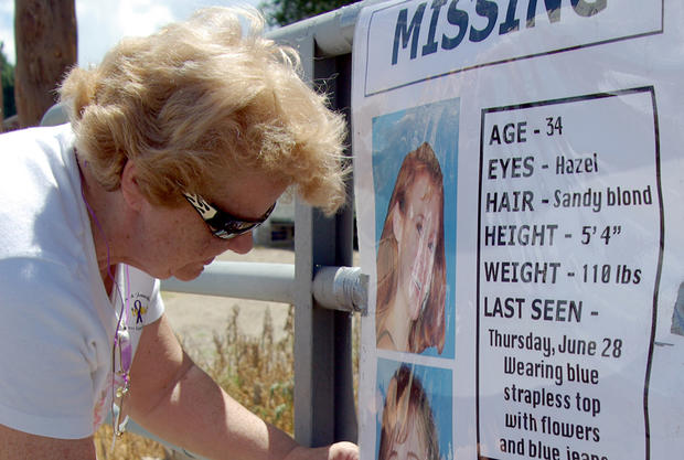Volunteers help search for missing mom Paige Birgfeld