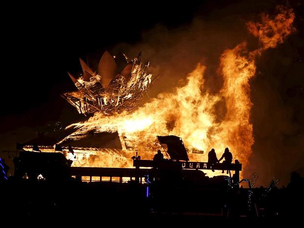 burning-man-2015-rtx1r7d3.jpg