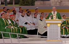 Pope Francis ends U.S. visit with huge Mass in Philadelphia