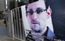 Snowden still confined to Moscow airport