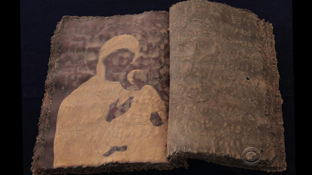 Smuggler offers allegedly looted Syrian artifacts to CBS News