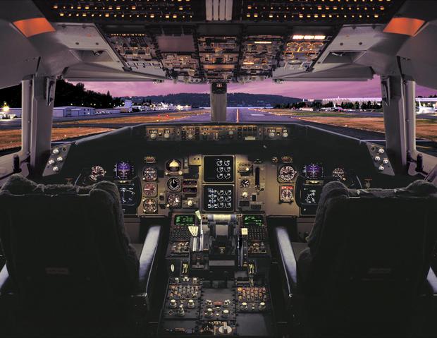 15-boeing-100-years-757-767-glass-cockpit.jpg