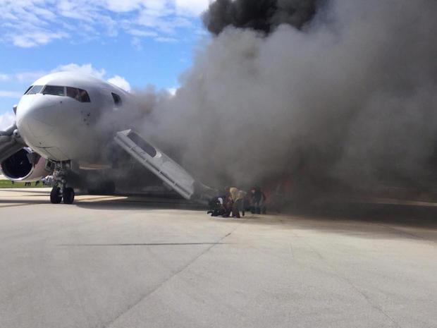 plane-fire-2.jpg