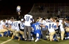 Coach suspended for continuing prayer with teams
