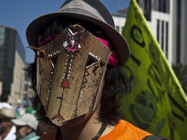climate-protests-getty-499165898.jpg