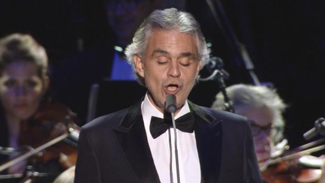 andrea-bocelli-singing-620.jpg