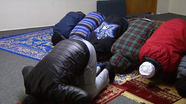 muslim-workers.jpg