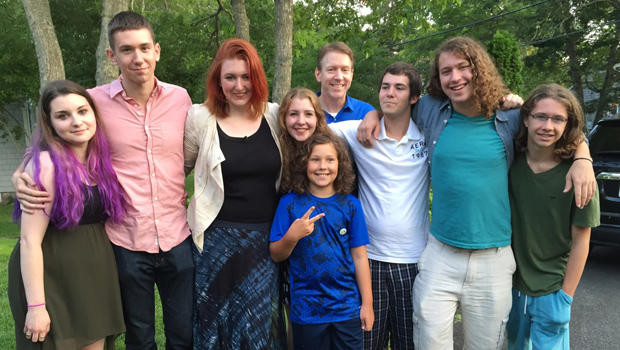 One Sperm Donor S Extended Family Cbs News