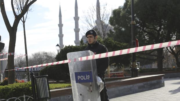 Blast in Istanbul's tourist district