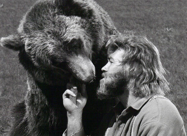 dan-haggerty-grizzly-adams-sunn-classic-pictures.jpg