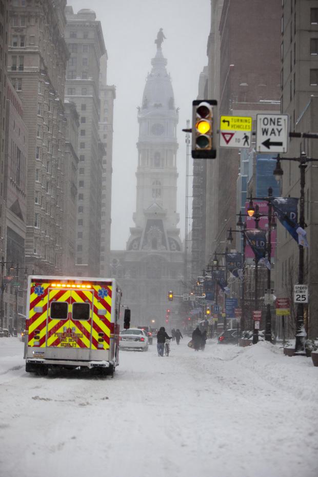 snow-storm-getty-506414084.jpg
