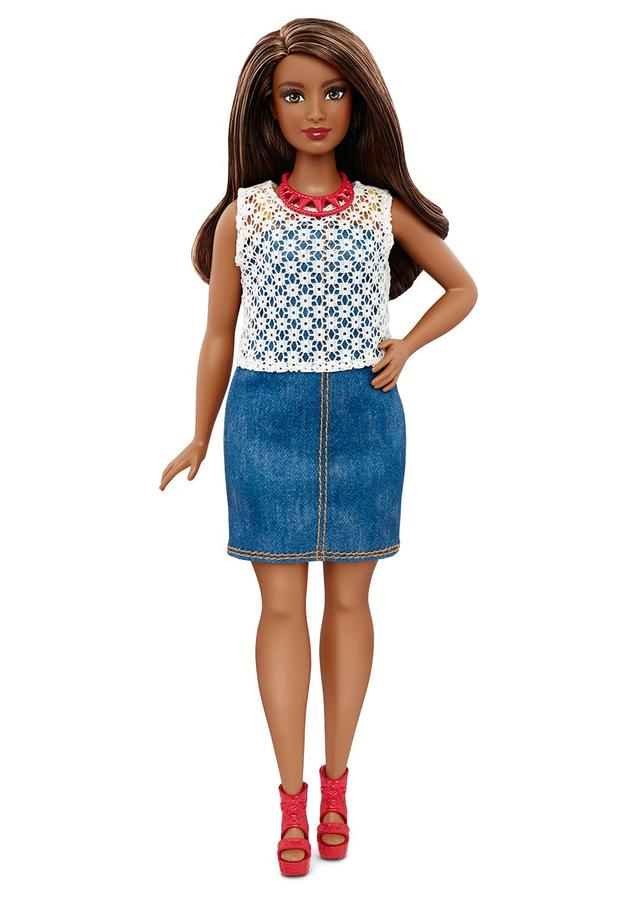 04-barbie-curvy-dpx68c16152fulllengthtcm718-118082.jpg