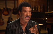 "Lionel Richie talks Adele's ""Hello"""