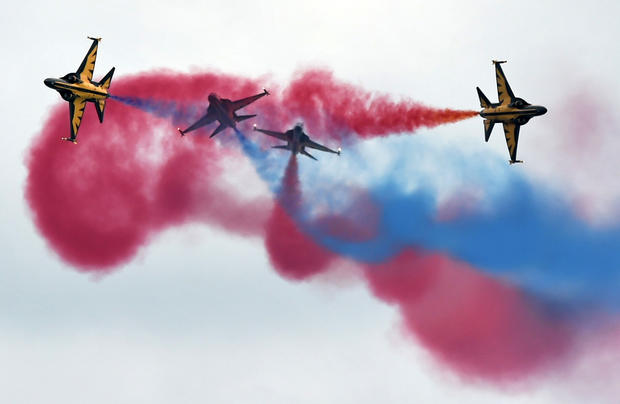 Flying high at the 2016 Singapore Airshow