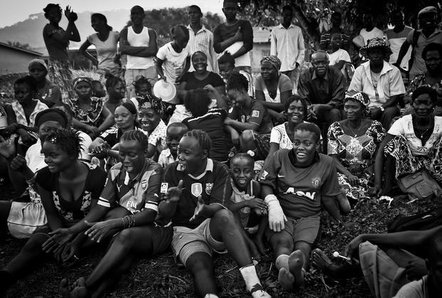 c-tara-todras-whitehill-ebola-survivors-football-club-03.jpg