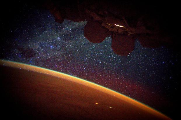 Year-in-space-co9qi96woaewei3.jpg
