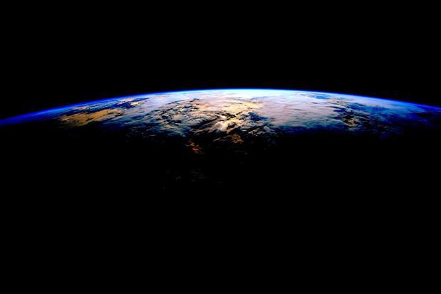 Year-in-space-cakv4i0usaah2go.jpg