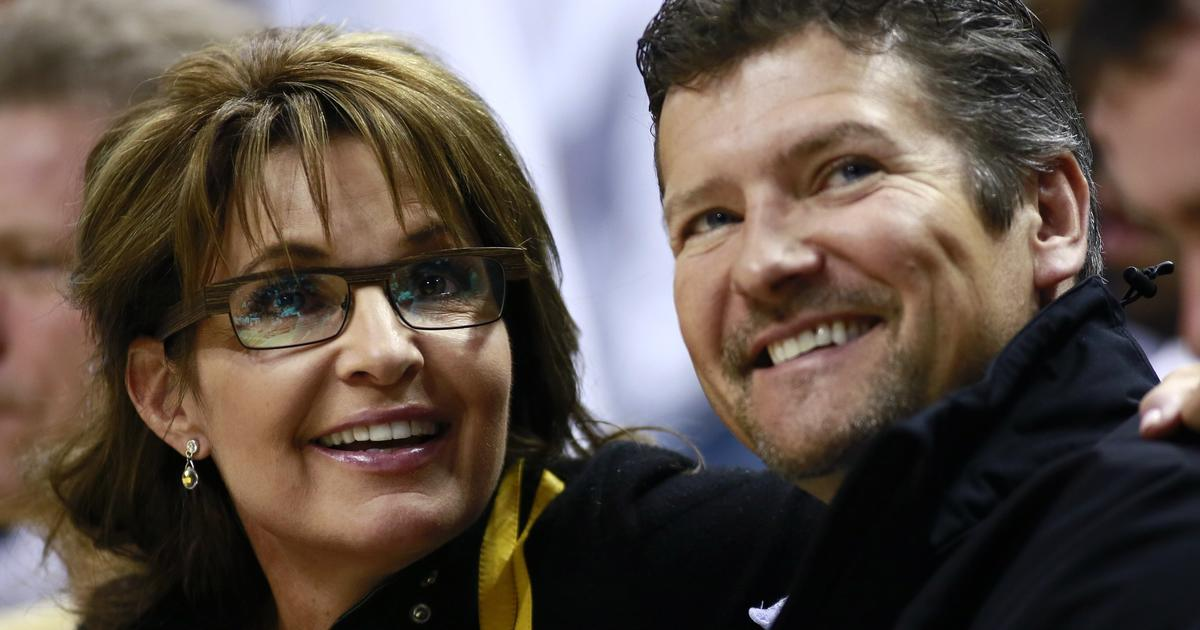 """Sarah Palin's husband apparently files for divorce: """"Impossible to live together"""""""