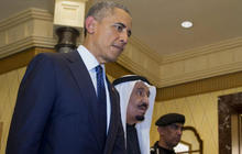 Obama lands in Saudi Arabia amid tensions