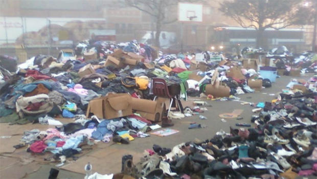 donated-clothing-rockaways-ny-following-hurricane-sandy-2012-helpaftersandyorg-620.jpg