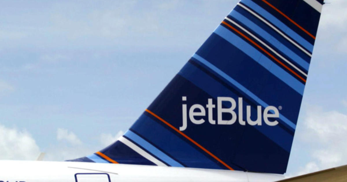 a27eb5a97384 JetBlue hikes checked baggage fees -- first bag hits  30 - CBS News