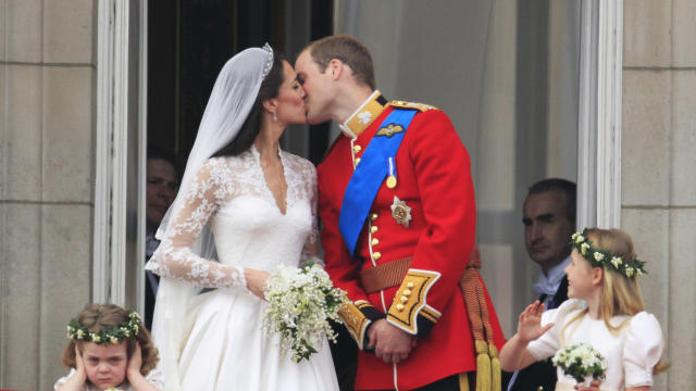 kate middleton carries bouquet representing love happiness cbs news https www cbsnews com news kate middleton carries bouquet representing love happiness