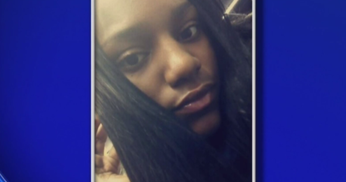 Mom suspected teen daughter dating 45