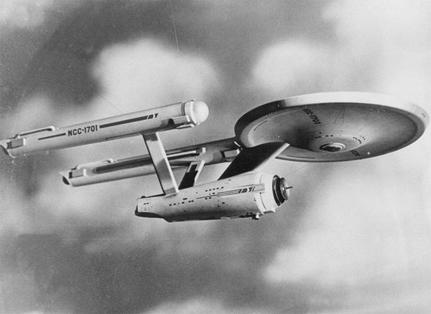 enterprise-model-publicity-shot-star-trek-tv.jpg
