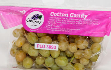 Farmers grow grapes that taste like cotton candy