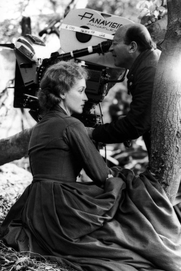 meryl-streep-filming-french-lts-woman.jpg