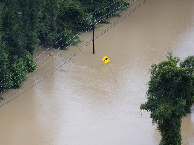 louisiana-flooding-ap197375844538.jpg