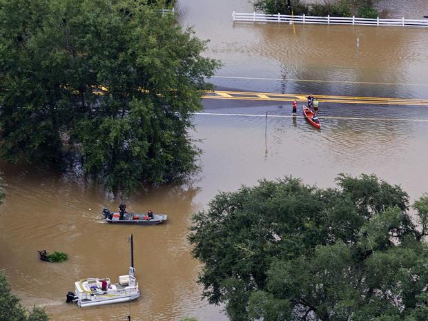 louisiana-flooding-ap223839232383.jpg