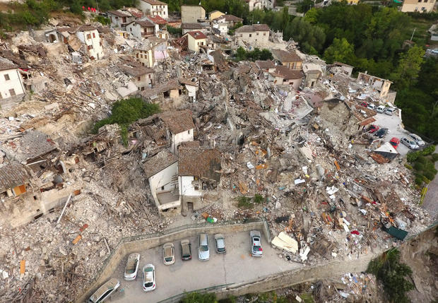 Powerful quake strikes central Italy