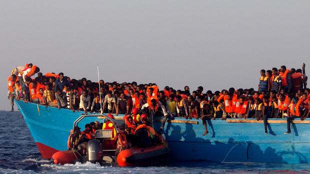 Dramatic rescues and deaths of migrants at sea