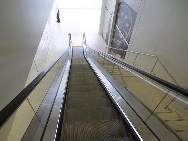 daniel-jones-escalator-down-to-oculus.jpg