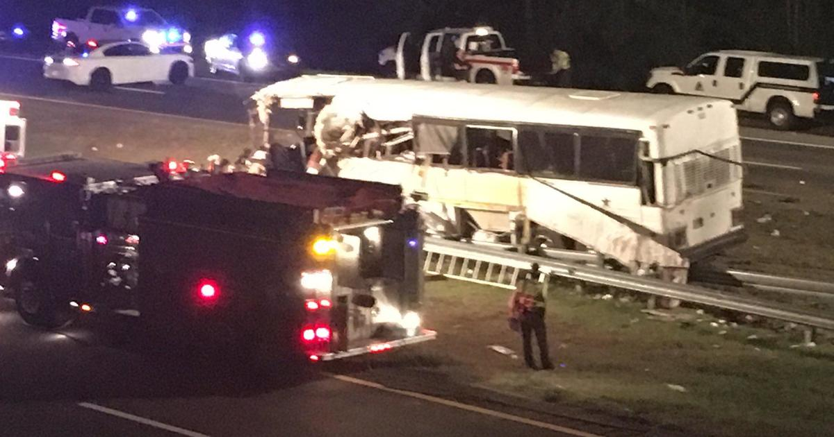 4 Killed When Bus Carrying Football Team Crashes In N C