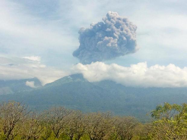 mount-barujari-indonesia-volcano.jpg