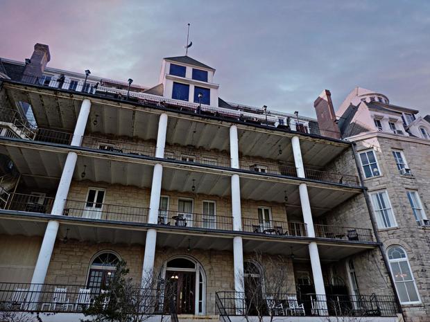 arkansas-crescent-hotel.jpg