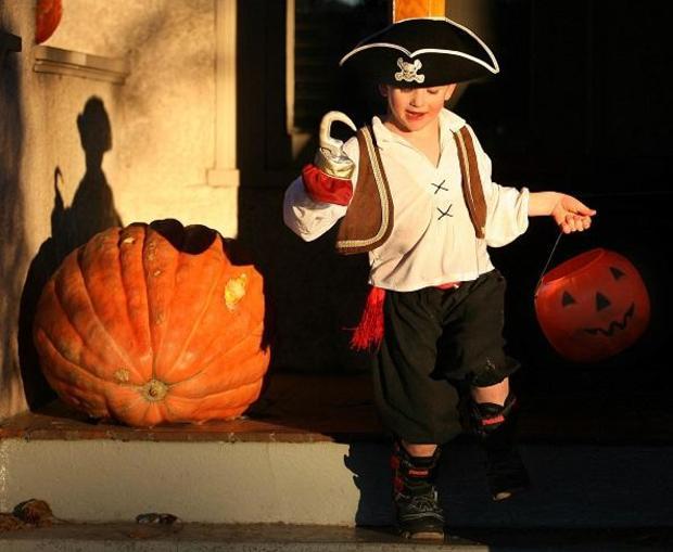 halloweencandy-wyoming-candycorn.jpg