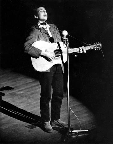 Bilderesultat for bob dylan live carnegie hall 1963