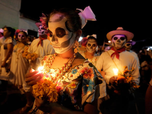 day-of-the-dead-getty-618925032.jpg