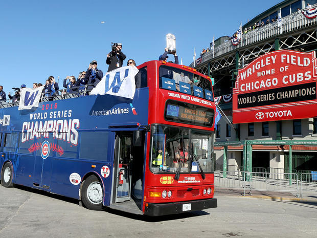 chicago-cubs-world-series-parade-gettyimages-621089524.jpg