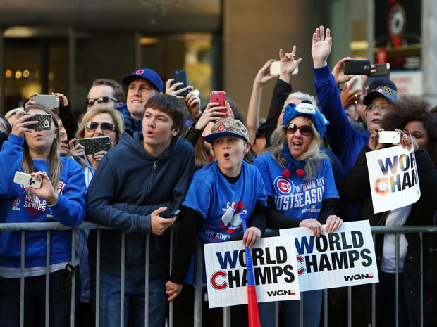 chicago-cubs-world-series-parade-1493054943-nocid-rtrmadp.jpg