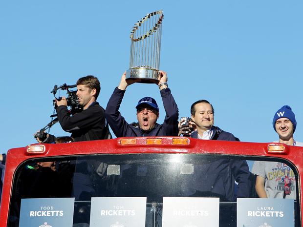 chicago-cubs-world-series-parade-gettyimages-621089696.jpg