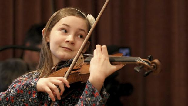 alma deutscher an 11 year old composer to premiere first full opera cinderella cbs news