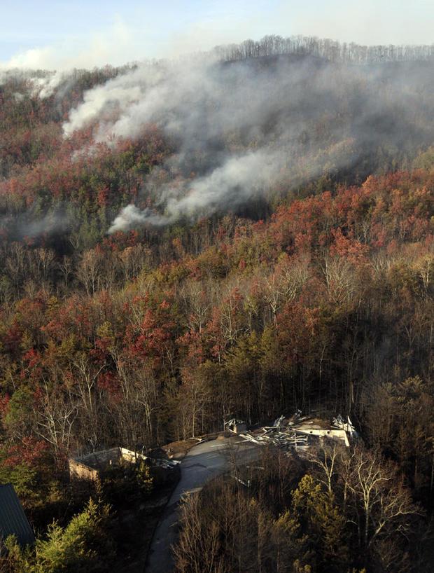tennessee-wildfire-ap-16334814980533.jpg