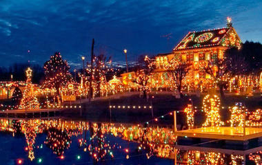 Top holiday attractions across America