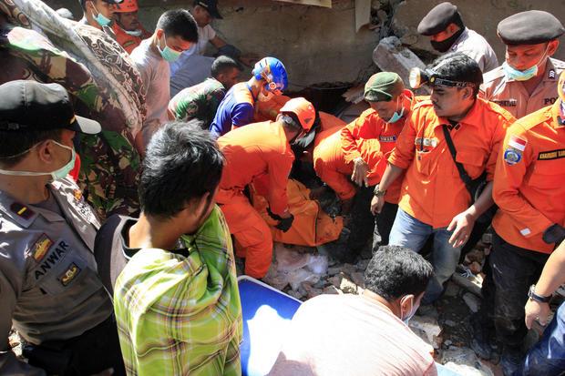 indoensia-earthquake-628214146.jpg